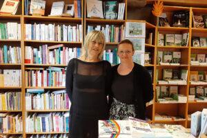 Carole et Dominique à la librairie